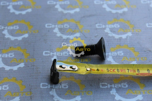 Болт CB01455519