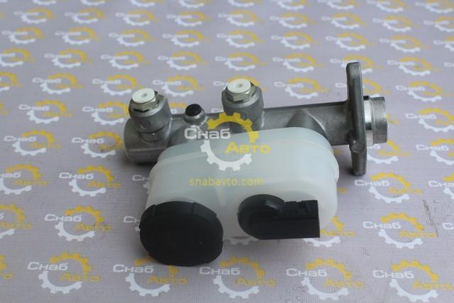 Цилиндр главный тормозной 46010F8000
